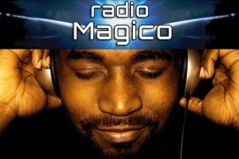 listen to Radio Magico