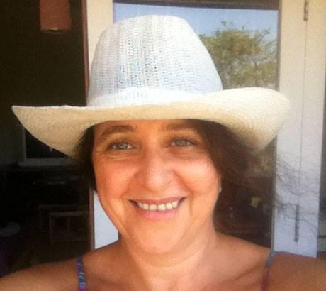 036 Marga with white hat