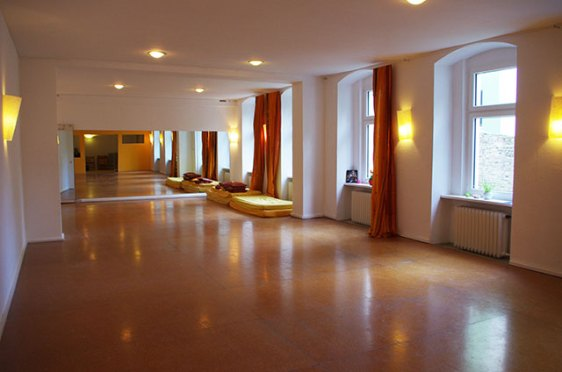 70m2 for groups and meditations