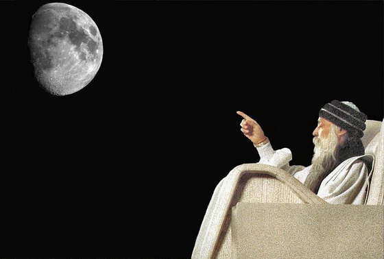 osho-pointing-finger-to-moon