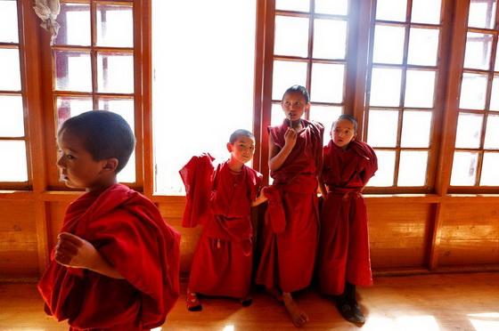 monks-4