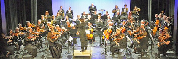 019-Sinfonie-Orchester-Bergisch-Gladbach-2015-02,-me-in-the-middle