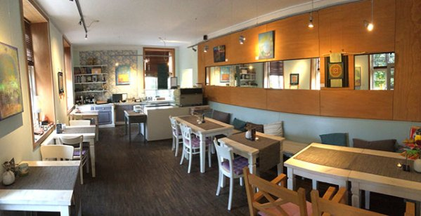 010-cafe-interior-w