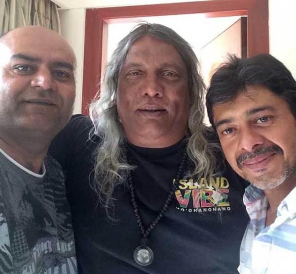 Sagar,-Om-and-Anand-cr-Mouna
