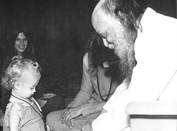 Osho and child