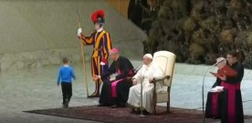 Small boy upstages Pope Francis' audience