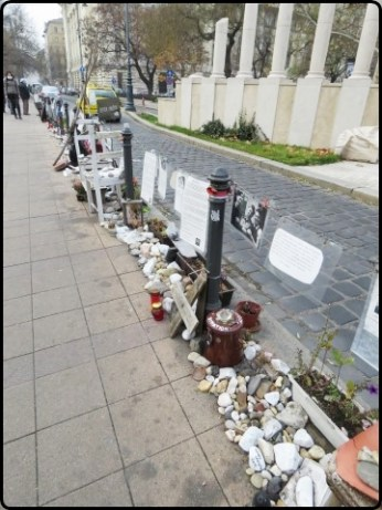 Budapest - Protest against the Monument   בודפשט - מחאה כנגד האנדרטה