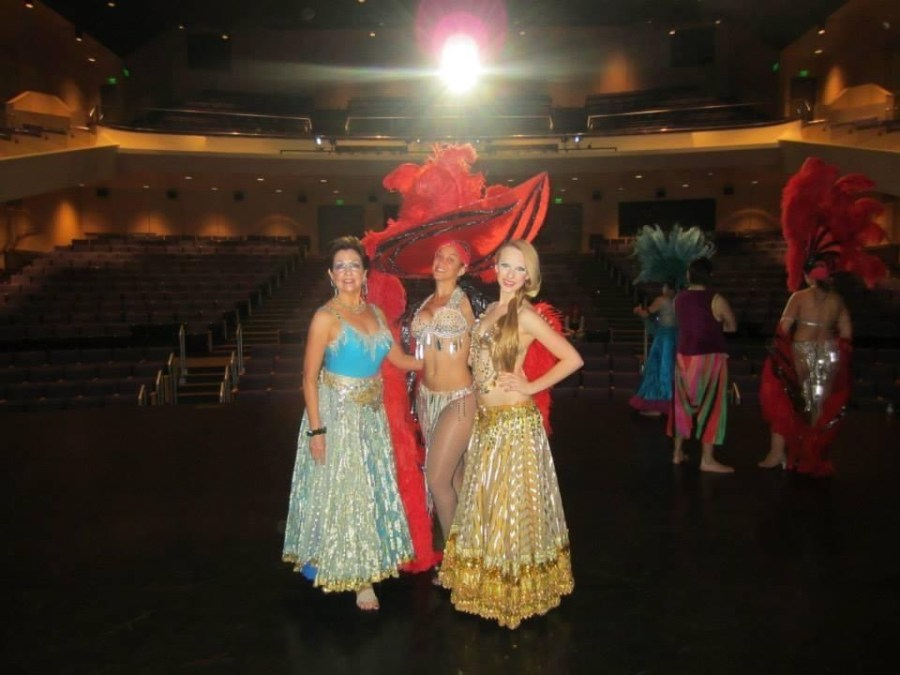 Behind the scenes of Oshun Wings Tras escena de las alas de oshun Creadora Directora Coreografa Bailarina dancers profesional rehearsal looks lights Maritza Rosales 12