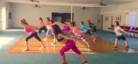 Clases de Boombafro por Maritza Rosales Bailarina Instructora Coreografa Creadora y Directora Profesional de este estilo de clase AfroCubano Latino Cardio Tonificacion Reductiva Yoga Meditacion 036