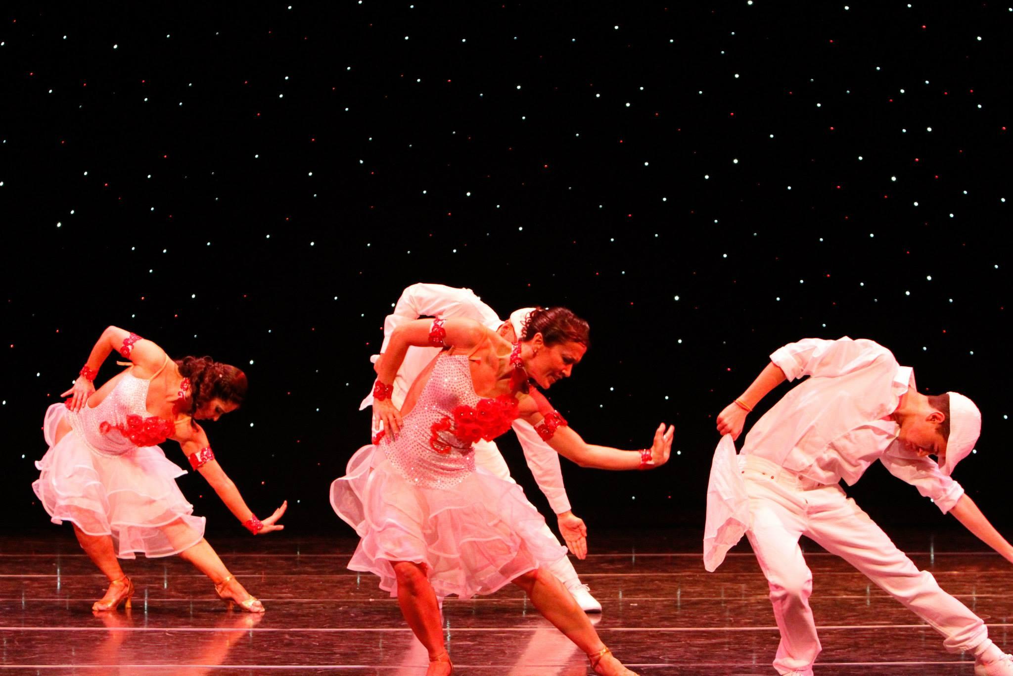 Maritza Rosales Bailarina Instructora Coreografa Profesional en Bailes Populares y de Salon Ritmos Cubanos y Latinos Rumba Mambo Salsa Merengue Cumbia 003