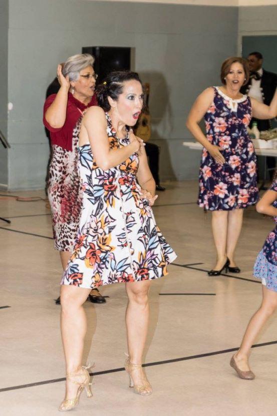 Maritza Rosales Bailarina Instructora Coreografa Profesional en Bailes Populares y de Salon Ritmos Cubanos y Latinos Rumba Mambo Salsa Merengue Cumbia 033