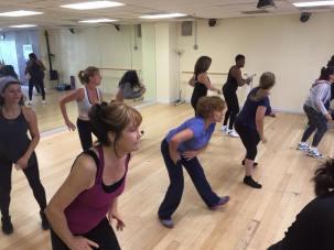 Boombafro Master Class por Maritza Rosales Bailarina Instructora Coreografa Creadora y Directora Profesional de este estilo de clase AfroCubano Latino Cardio Tonificacion Yoga Meditacion 005