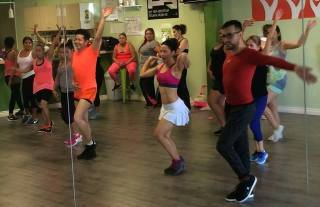 Boombafro Master Class por Maritza Rosales Bailarina Instructora Coreografa Creadora y Directora Profesional de este estilo de clase AfroCubano Latino Cardio Tonificacion Yoga Meditacion 011