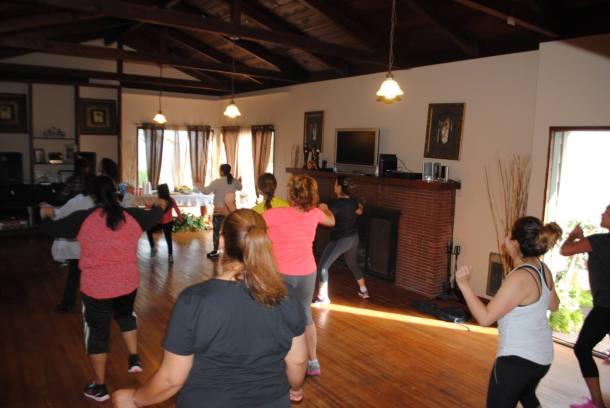 Boombafro Master Class por Maritza Rosales Bailarina Instructora Coreografa Creadora y Directora Profesional de este estilo de clase AfroCubano Latino Cardio Tonificacion Yoga Meditacion 016