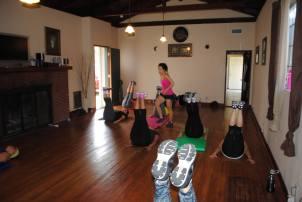 Boombafro Master Class por Maritza Rosales Bailarina Instructora Coreografa Creadora y Directora Profesional de este estilo de clase AfroCubano Latino Cardio Tonificacion Yoga Meditacion 033