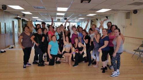 Boombafro Master Class por Maritza Rosales Bailarina Instructora Coreografa Creadora y Directora Profesional de este estilo de clase AfroCubano Latino Cardio Tonificacion Yoga Meditacion 035