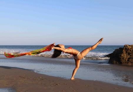 Maritza Rosales Bailraina Instructora Coreografa Profesional de Danza Moderna y Contemporaneo Tecnica Cubana 010