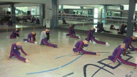 classical Ballet clases en grupo stretching bailarina y coreografa profesional Maritza Rosales 12