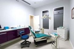 A clínica dental do doutor Gabriel Castellano, no Barco, renova as súas instalacións