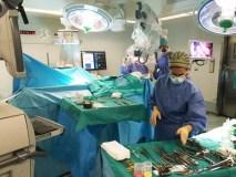 Novo microscopio cirúrxico no servizo de Neurocirurxía do CHUO