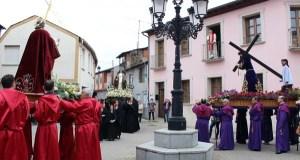 Tres imaxes na procesión do Encontro na Rúa