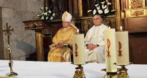 O Bispo de Astorga visita a parroquia de Santo Estevo, na Rúa