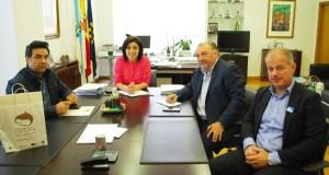 A creación da Mesa da Castaña, abordada nun encontro entre o sector e a Xunta