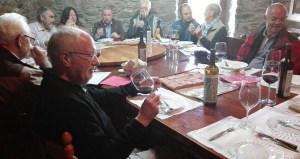 Sumilleres austríacos proban os viños de La Perdida, en Larouco