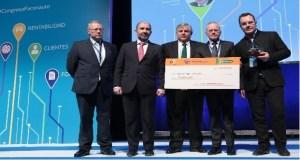 Os concesionarios ourensáns reciben un premio pola súa labor solidaria