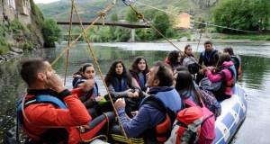 O IES Lauro Olmo do Barco conmemora o Día do Libro cun roteiro literario en torno ao río Sil