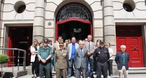 Minuto de silencio en Ourense en sinal de repulsa polo atentado de Manchester