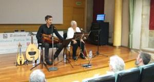 Dobre sesión sobre o antigo Camiño de Santiago con Toti Martínez e o luthier Emilio Arias en Verín