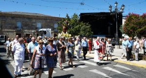 Petín rende culto ao Apóstolo