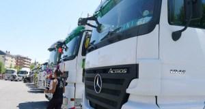 Os camións comezan a reunirse no Malecón do Barco