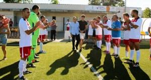 Homenaxe a Luciano no II triangular de veteranos de fútbol das festas da Rúa