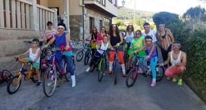 A Volta Ecolóxica das festas de San Roque enche de cor A Rúa