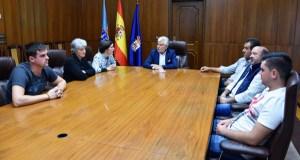 Os gandeiros e apicultores da montaña do oriente ourensán afectados pola seca reúnense co vicepresidente da Deputación