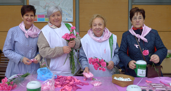 Valdeorras tínguese de rosa no Día contra o Cancro de Mama