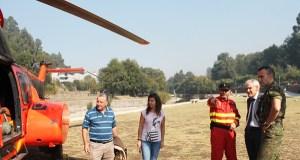 Visita de Roberto Castro ao operativo de extinción do incendio de Río Caldo