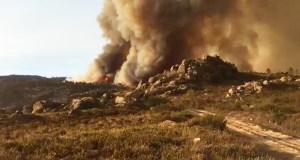 As chamas cercan o parque natural do Xurés
