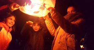 Os faroliños voadores volveron iluminar o ceo de Trives