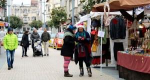 Gastronomía e artesanía no Mercadiño de Nadal na Rúa
