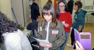 Lectura de poemas para lembrar a Rosalía, no IES Lauro Olmo do Barco
