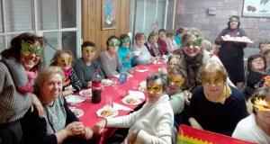"""As amas de casa do Barco celebran unha cea de Comadres """"moi doce"""""""
