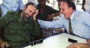 O cubano Miguel A. Alvelo presenta en Ourense un libro sobre as figuras de Fraga e Fidel Castro