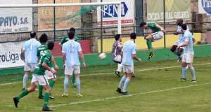O Arenteiro golea ao Villalonga no campo de Espiñedo