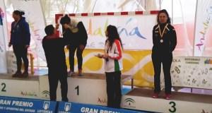 Mónica Piñeiro logra o único podio ourensán no campionato de España máster de piragüismo