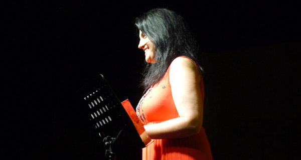 Enfiando versos con Olga Novo, no Barco