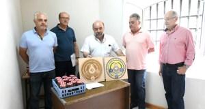 Degustación de olivas na apertura da oficina da Asociación de Amigos dos Aceites de Quiroga e Gallaecia