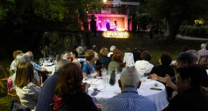 Maridaxe perfecta entre godello, jazz e paisaxe vitivinícola en Xagoaza (O Barco)